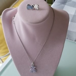 Silver set include necklace,earrings and charm